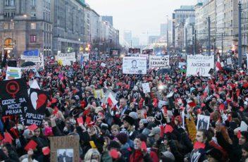 8-marca-protest